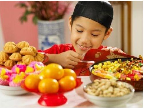 Cách cho trẻ ăn Tết đủ dinh dưỡng.