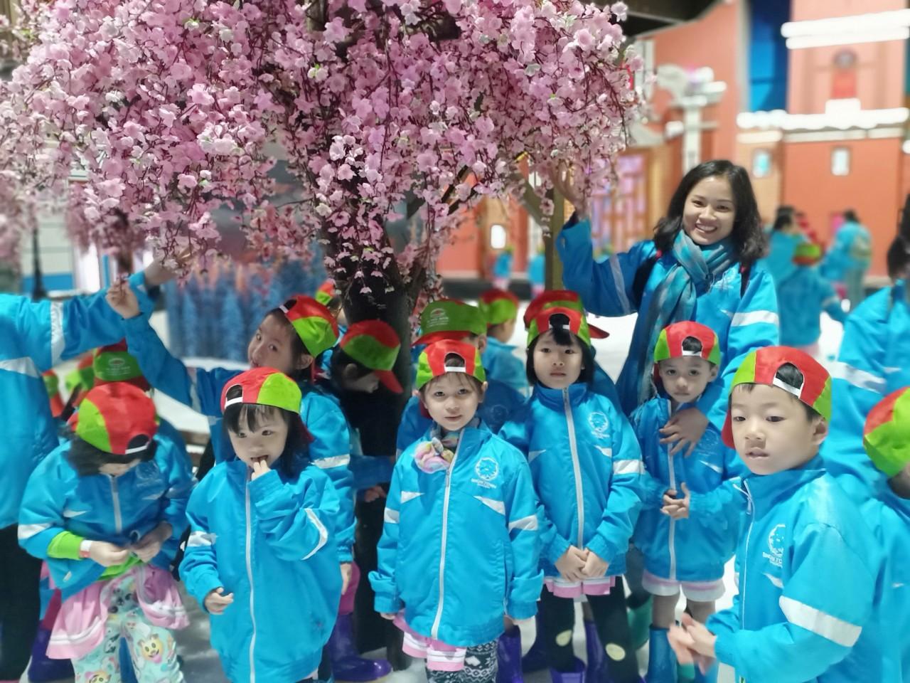 Phần II: Hình ảnh lớp Lá 3 tại Khu Vui Chơi Giải Trí Snow Town Sài Gòn!